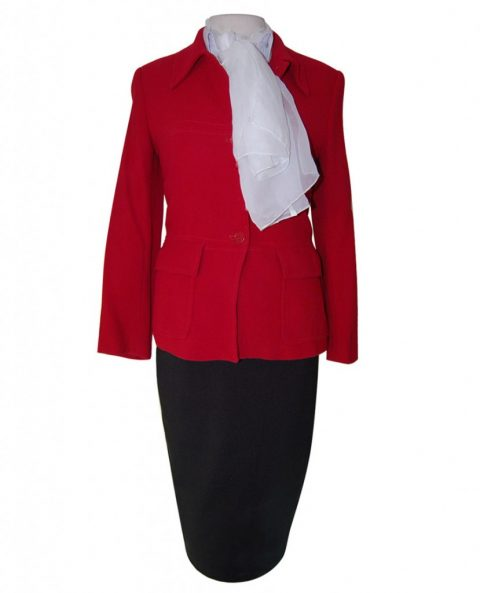 uniforme-chaqueta-roja-abotonada-829x1024-480x593